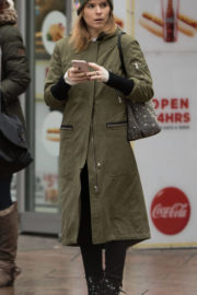 Kate Mara Stills Out and About in New York 2017/12/12