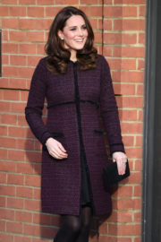 Kate Middleton Stills at a Community Christmas Party at Rugby Portobello Trust in London 2017/12/12