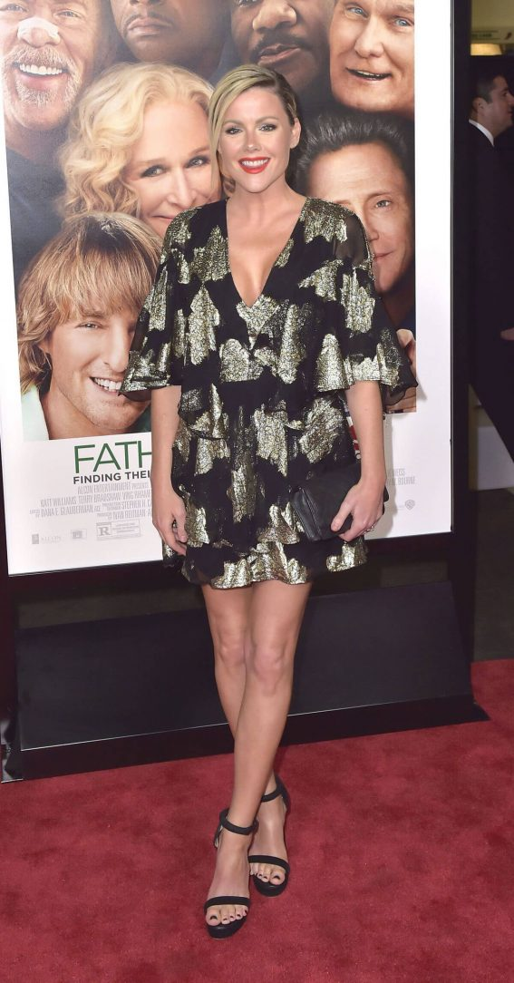 Kathleen Robertson Stills at Father Figures Premiere in Hollywood 2017/12/13