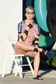Katy Perry Stills on the Set of a Photoshoot in Wynwood Arts District in Miami 2017/12/19