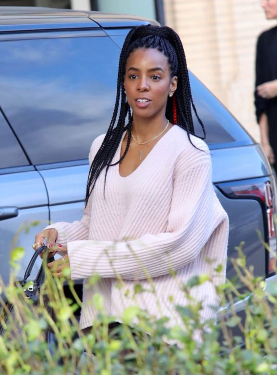 Kelly Rowland Stills Shopping at Barney's New York in Beverly Hills 2017/12/20