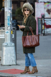 Keri Russell Stills Out and About in New York 2017/12/21