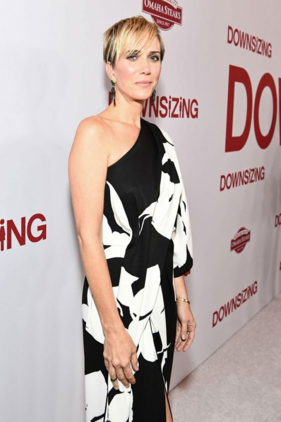 Kristen Wiig Stills at Downsizing Premiere in Westwood 2017/12/18