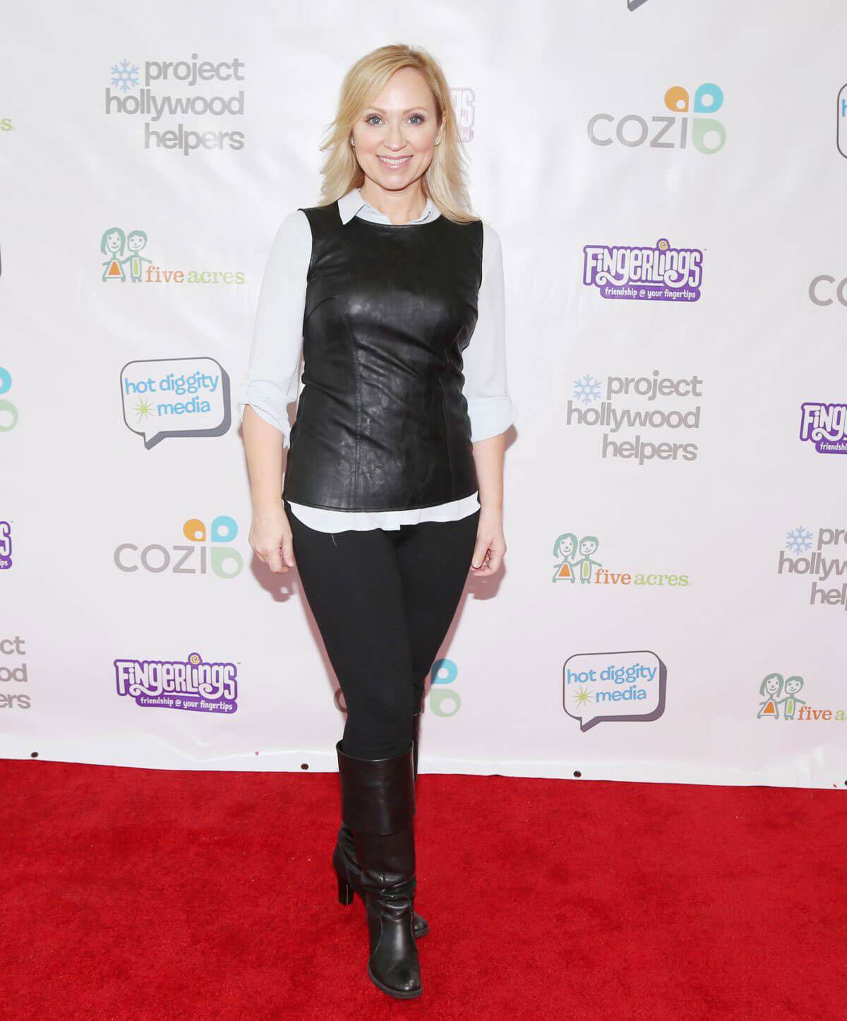 Leigh-Allyn Baker Stills at Project Hollywood Helpers Event in Los Angeles 2017/12/09