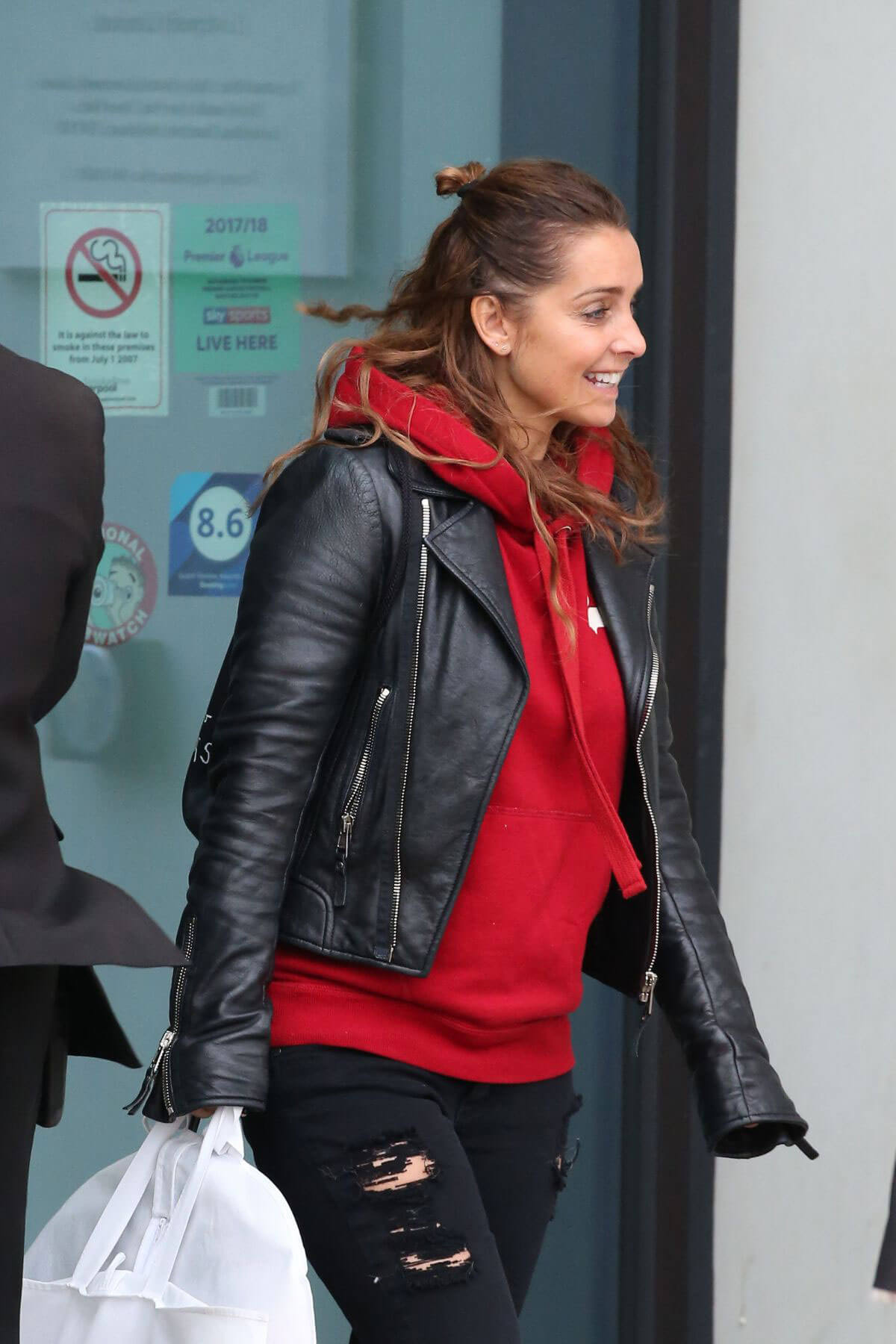 Louise Redknapp Stills Leaves Hilton Hotel in Liverpool 2017/12/29