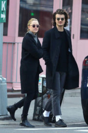 Maika Monroe and Joe Keery Stills Out Shopping in New York