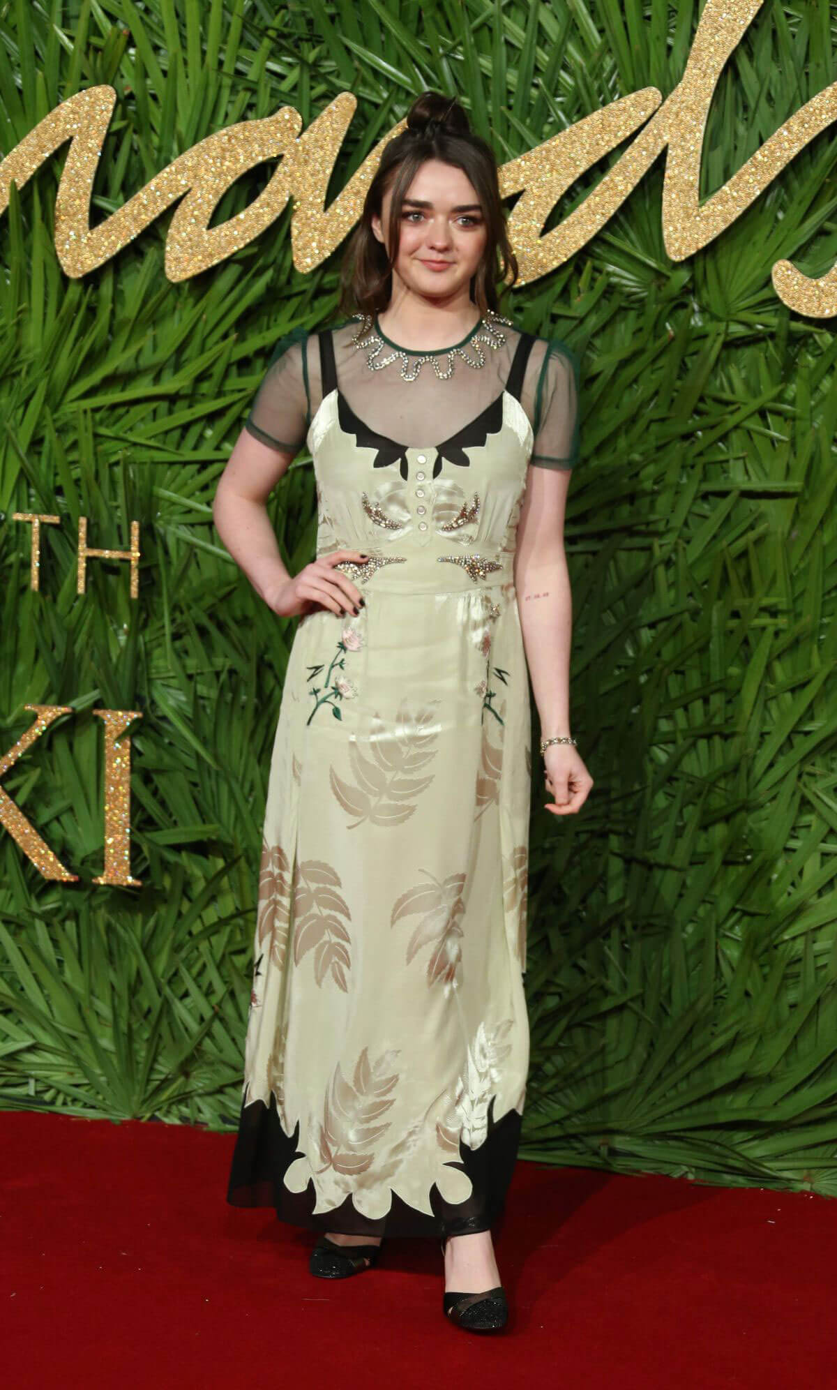 Maisie Williams Stills at Fashion Awards 2017 in London 2017/12/04