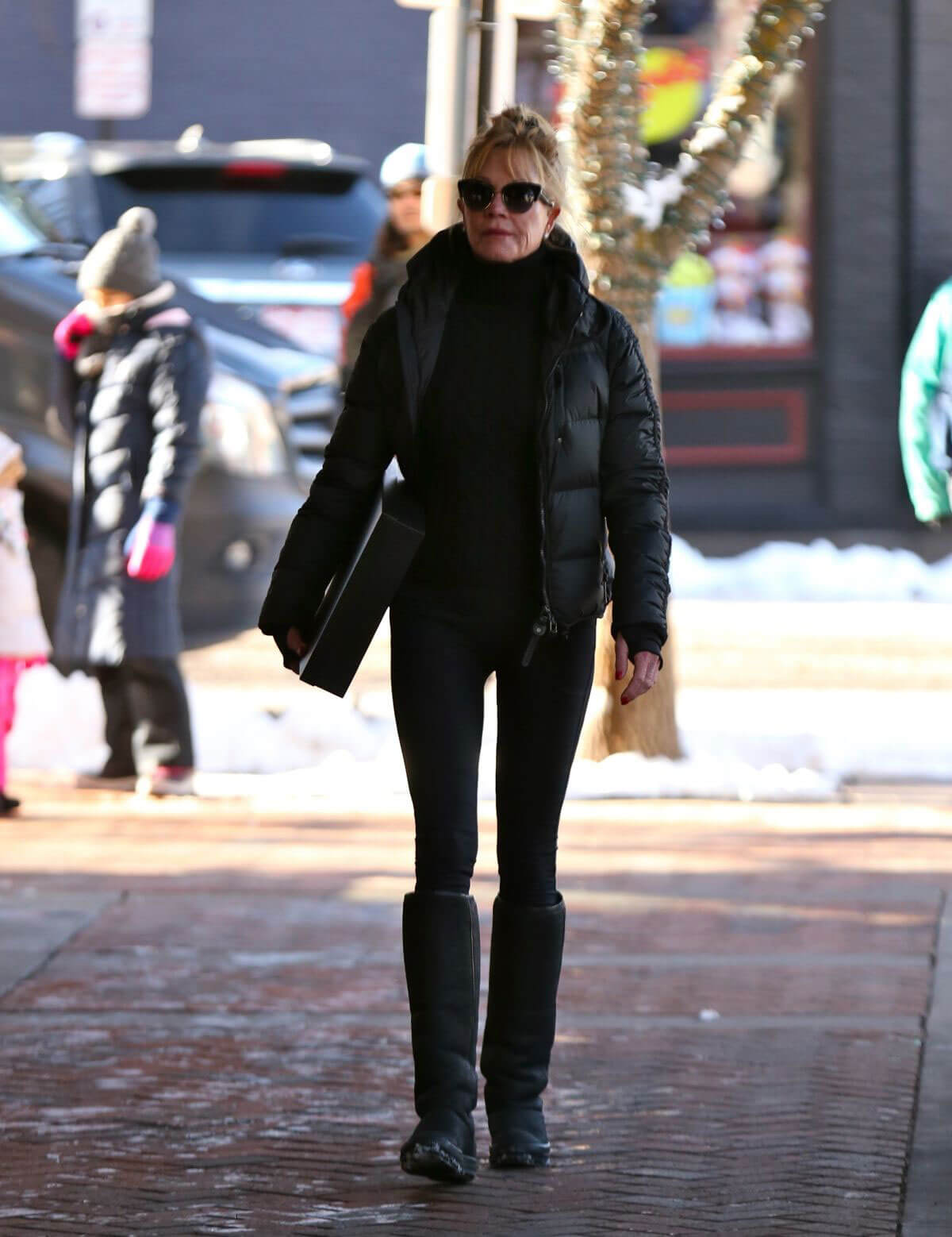 Melanie Griffith Stills Out and About in Aspen 2017/12/26
