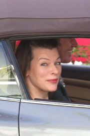 Milla Jovovich Stills Driving Out in Los Angeles 2017/12/29