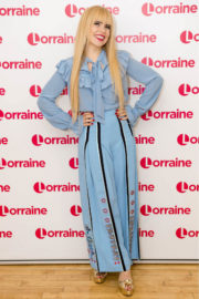 Paloma Faith Stills at Lorraine Show in London 2017/12/13
