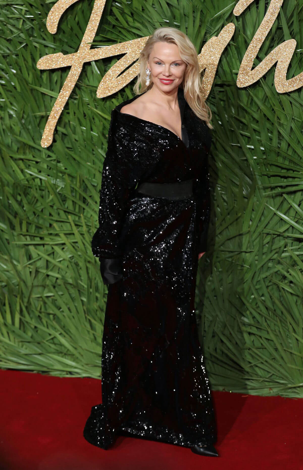 Pamela anderson stills at british fashion awards 2017 in for British mode