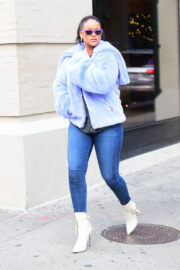 Rihanna Stills Out and About in New York 2017/12/09