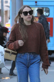 Sarah Sutherland Stills Out Shopping in Beverly Hills 2017/12/20