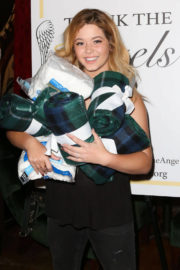 Sasha Pieterse Stills at Thank the Angels Thanksgiving Charity Event in Hollywood 2017/11/22
