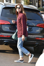 Selma Blair Stills Out with Her Dogs in Studio City 2017/12/16