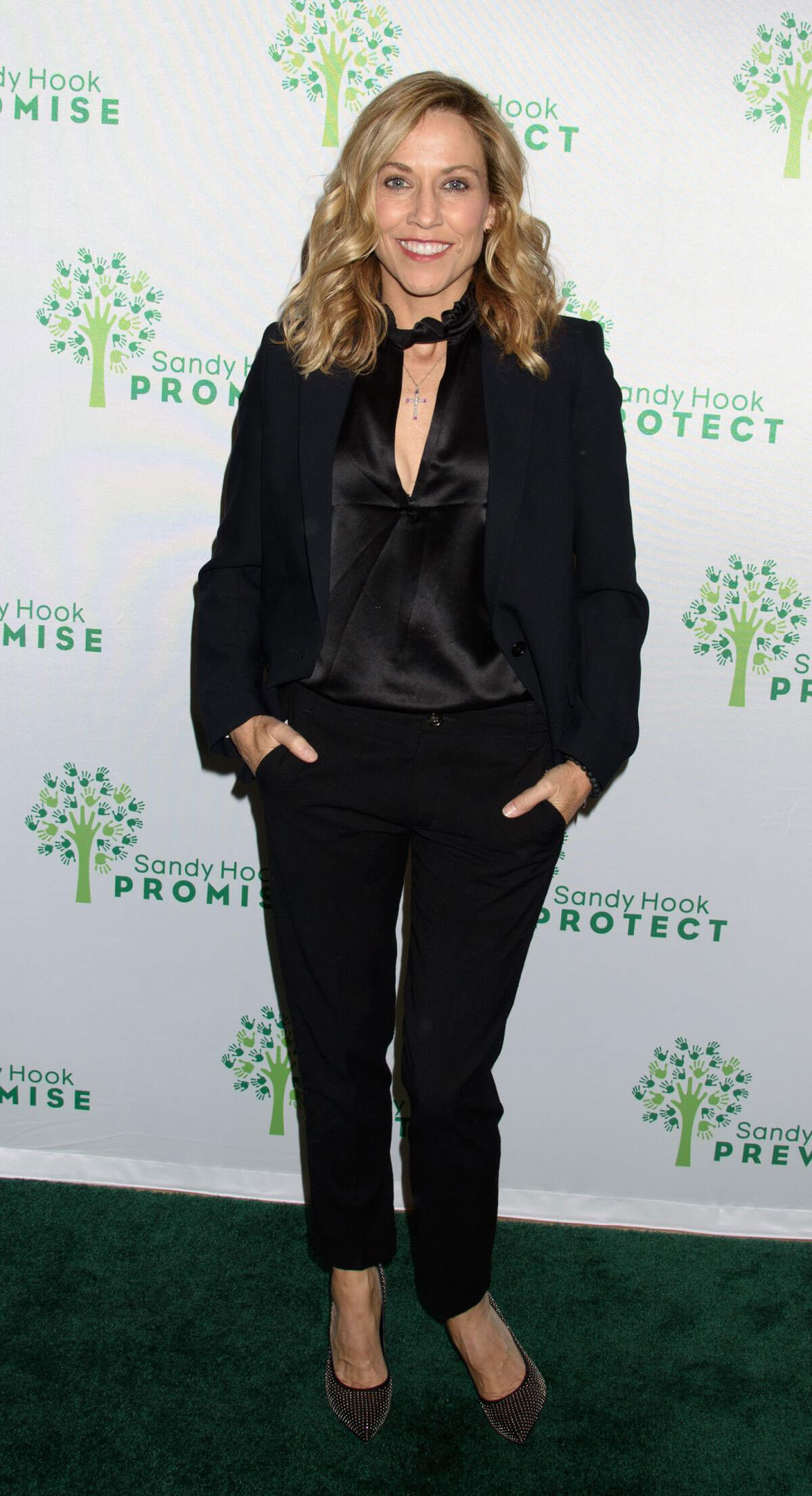Sheryl Crow Stills at 2017 Sandy Hook Promise Benefit in New York 2017/12/12