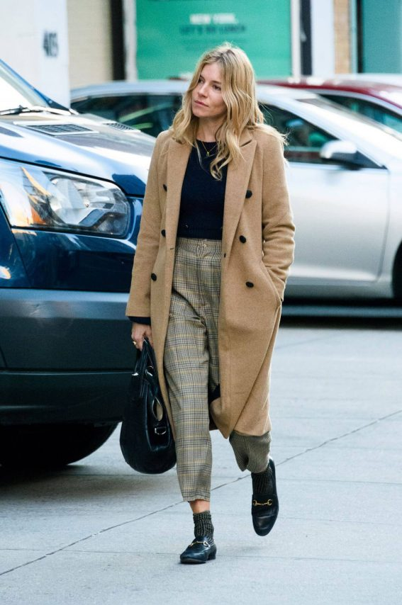 Sienna Miller and Jake Hoffman Stills Out in New York 2017/11/29