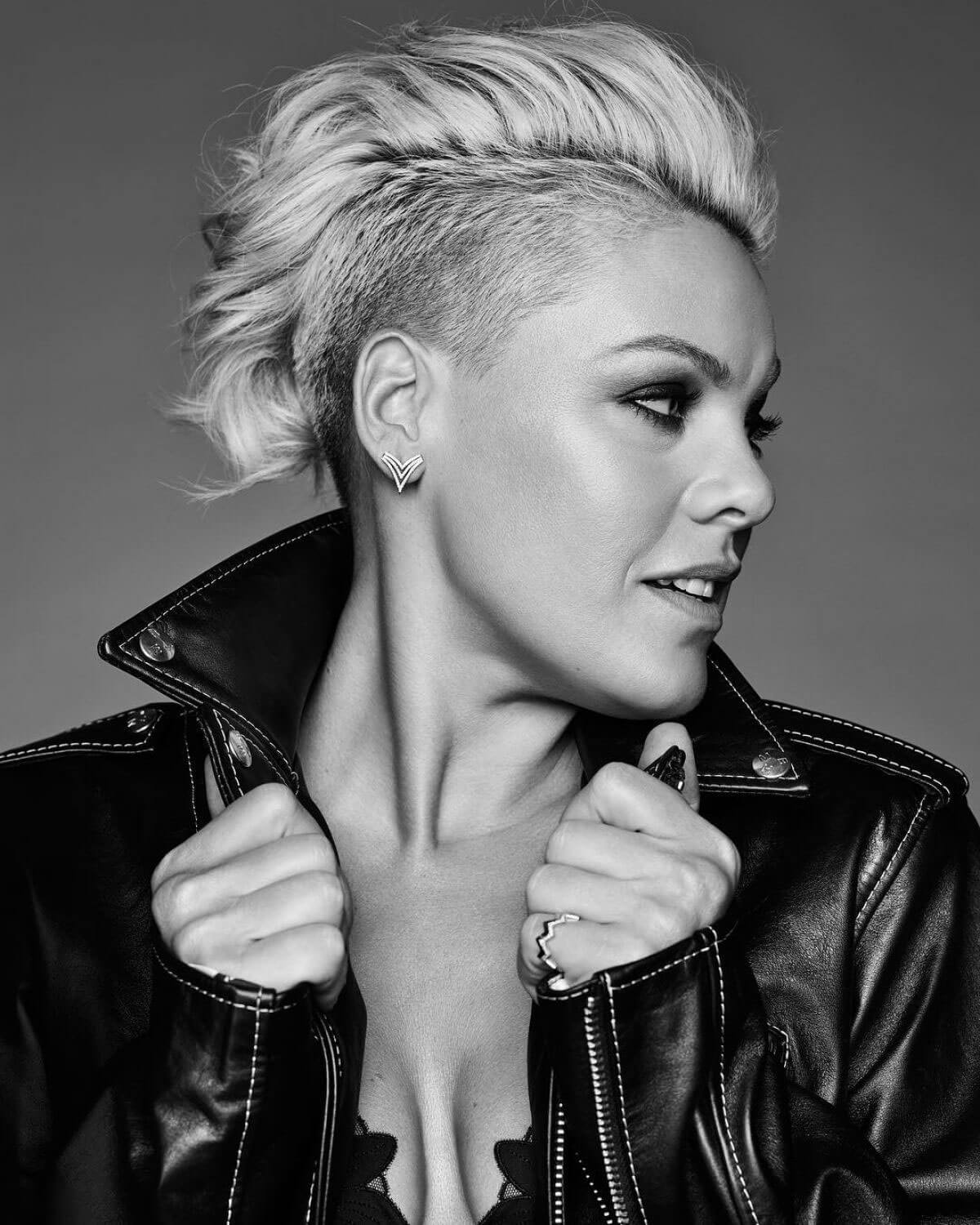 Singer Pink Poses In Cosmopolitan Magazine January 2018