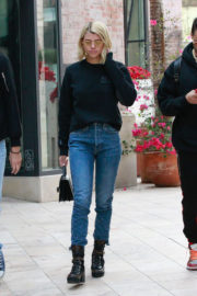 Sofia Richie Stills Out Shopping in Beverly Hills 2017/12/16