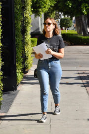 Tanya Burr Stills in Jeans Out and About in West Hollywood 2017/11/30