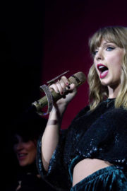 Taylor Swift Performs Stills at Capital FM Jingle Bell Ball in London 2017/12/10