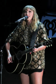 Taylor Swift Stills Performs at Iheartradio 102.7 KIIS FM's Jingle Ball in Los Angeles