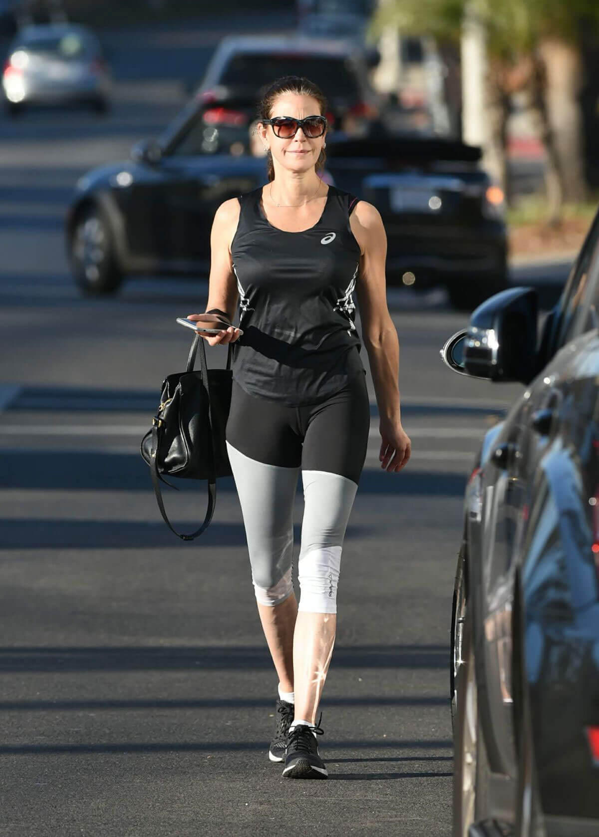 Teri Hatcher Stills in Leggings Out in Los Angeles 2017/12/27