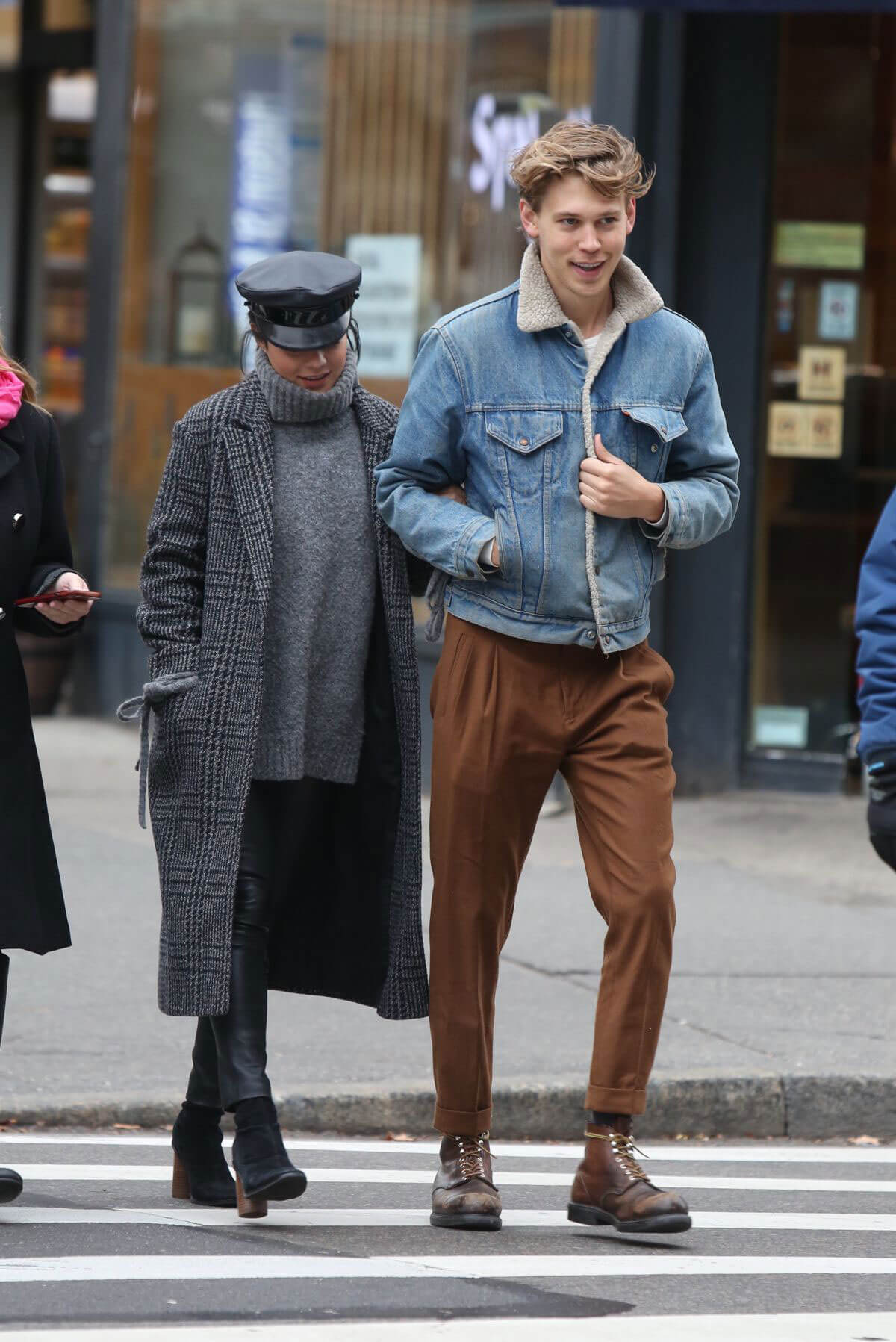 Vanessa Hudgens and Austin Butler Stills Out in New York