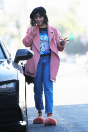 Vanessa Hudgens Stills Out and About in Los Angeles 2017/12/29