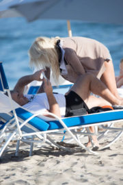 Victoria Silvstedt and Maurice Dabbah Stills at a Beach in Miami 2017/12/05