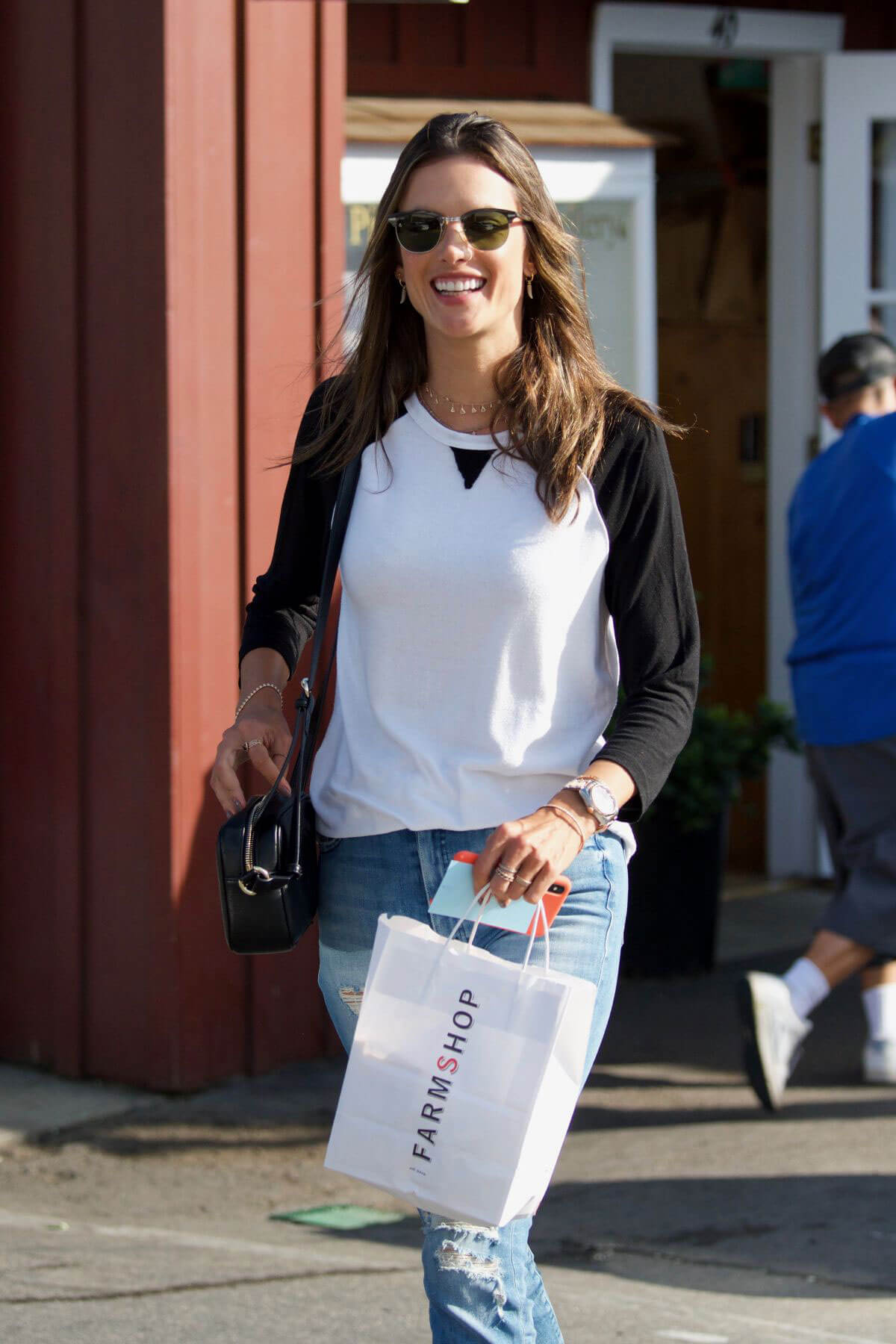 Alessandra Ambrosio Stills Out and About in Brentwood 2018/01/18