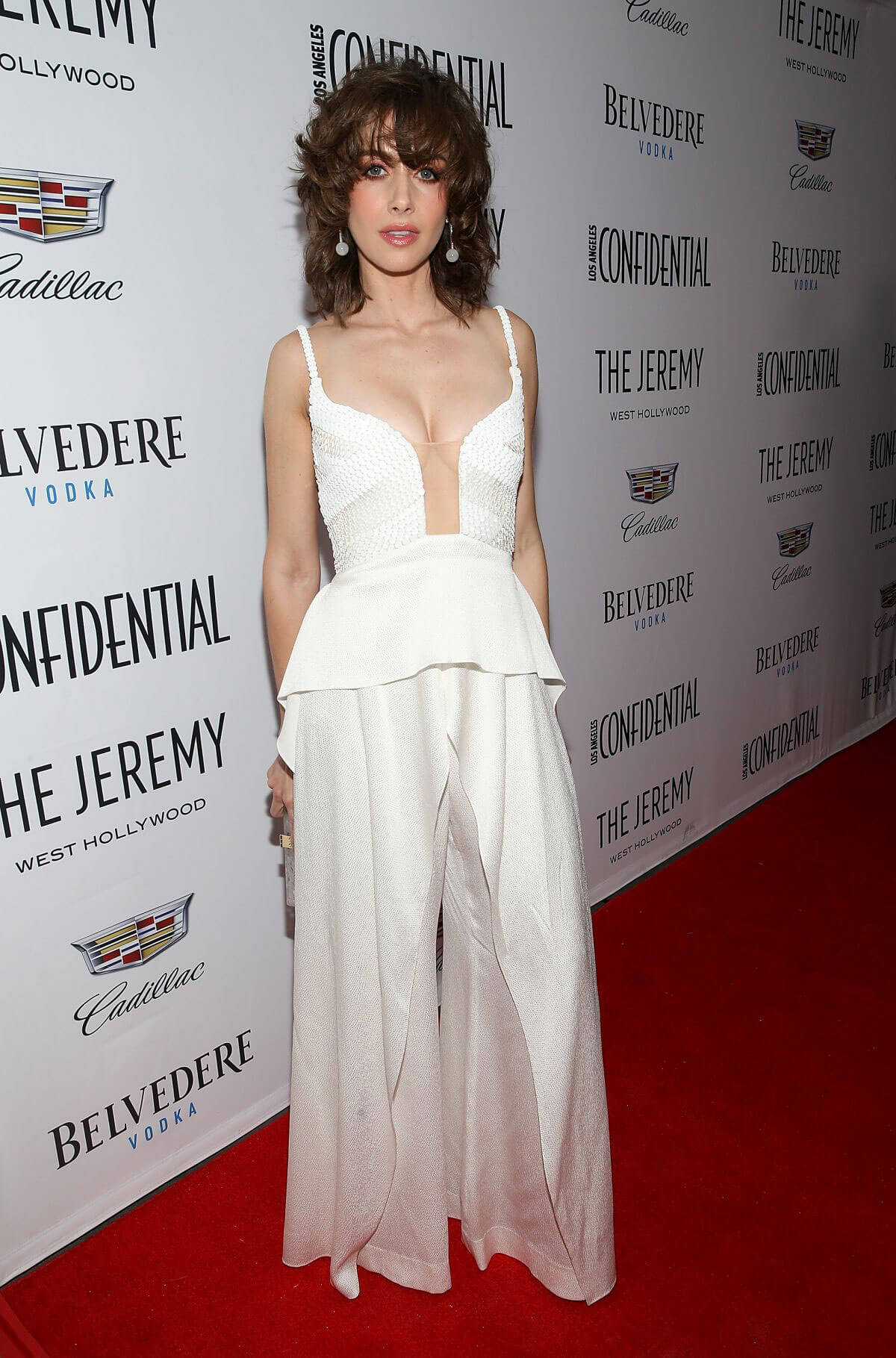 """Alison Brie Stills at Los Angeles Confidential Celebrates """"Awards Issue"""" in West Hollywood 2018/01/13"""