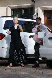Amber Rose Stills Leaves a Plastic Surgery Clinic in Beverly Hills 2018/01/29
