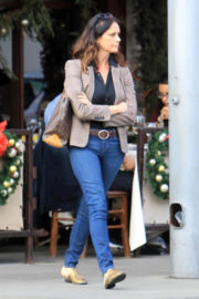 Amy Landecker and John Records Landecker Stills Out for Lunch in Beverly Hills 2018/01/02