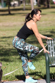 Andrea Calle Stills Working Out at a Park in Los Angeles 2018/01/10
