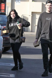 Ariel Winter Stills Out for Lunch in Studio City 2018/01/12