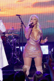 Bebe Rexha Performs Stills at Dick Clark's New Rear's Rockin' Eve with Ryan Seacrest 2018 2017/12/31