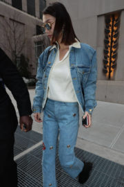 Bella Hadid in Denim Out and About in New York 2017/11/14
