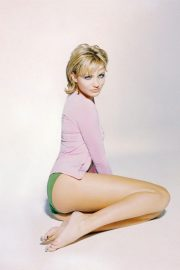 Best from the Past - Cameron Diaz Poses for Esquire Magazine, 1997 Issue