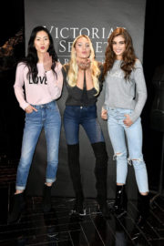 Candice Swanepoel, Liu Wen and Taylor Hill a Victoria's Secret Store in Sanghai 2017/11/19