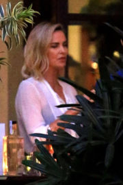 Charlize Theron Stills Out for a Drinks with a Friend in Beverly Hills 2017/11/13