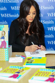 Charlotte Crosby Stills at Her Book Signing in Chester 2018/01/12