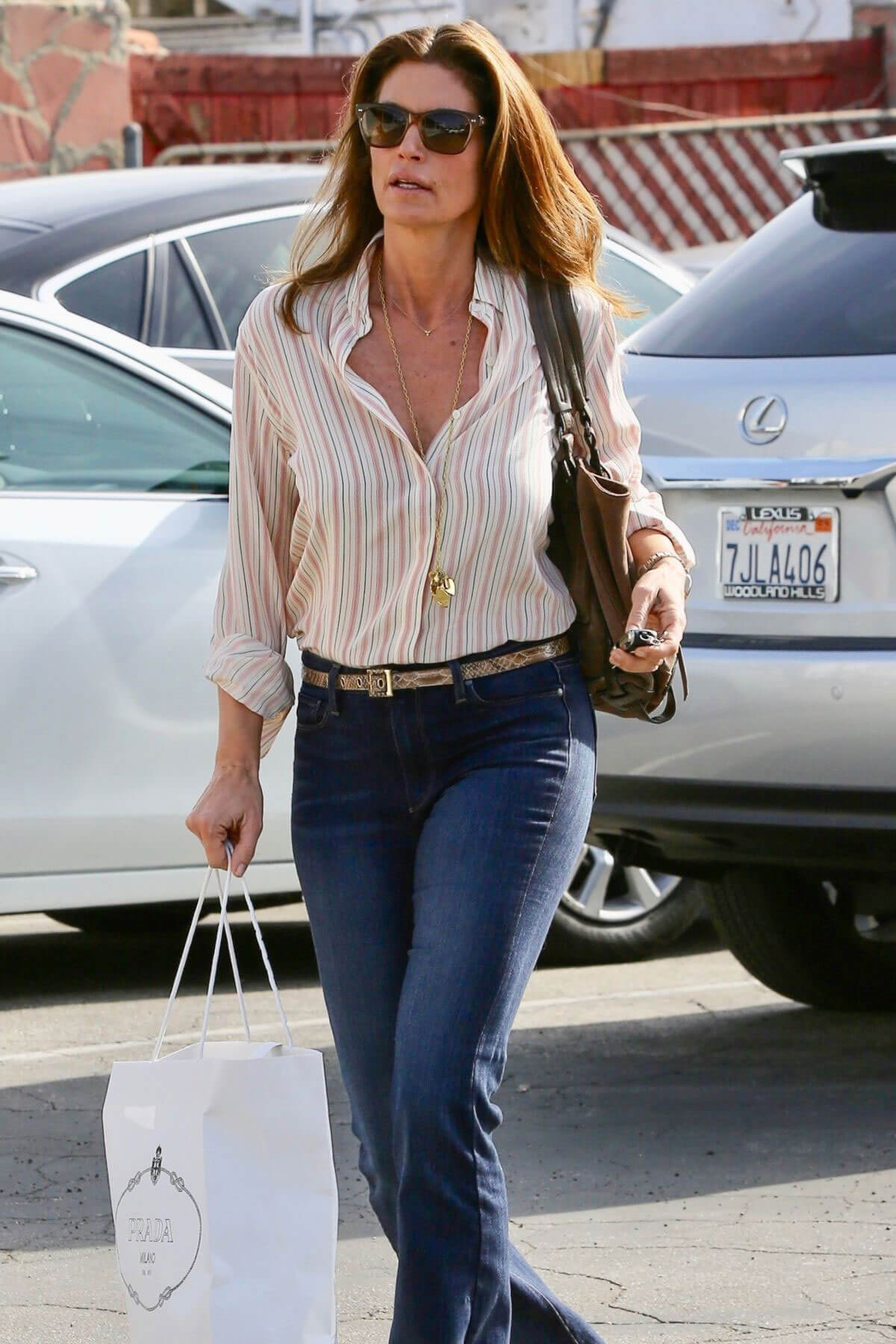 cindy crawford stills out and about in malibu 2018 01 17 198835 celebskart latest. Black Bedroom Furniture Sets. Home Design Ideas