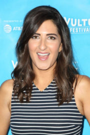 D'Arcy Carden Stills at Unreal vs Superstore Vulture Festival Event in Los Angeles 2017/11/18