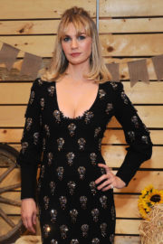 January Jones Stills at Bollare Holiday Harvest x Timberland Fall Style Event in Beverly Hills 2017/11/14