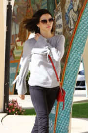 Jenna Dewan Stills Out and About in Los Angeles 2017/12/08