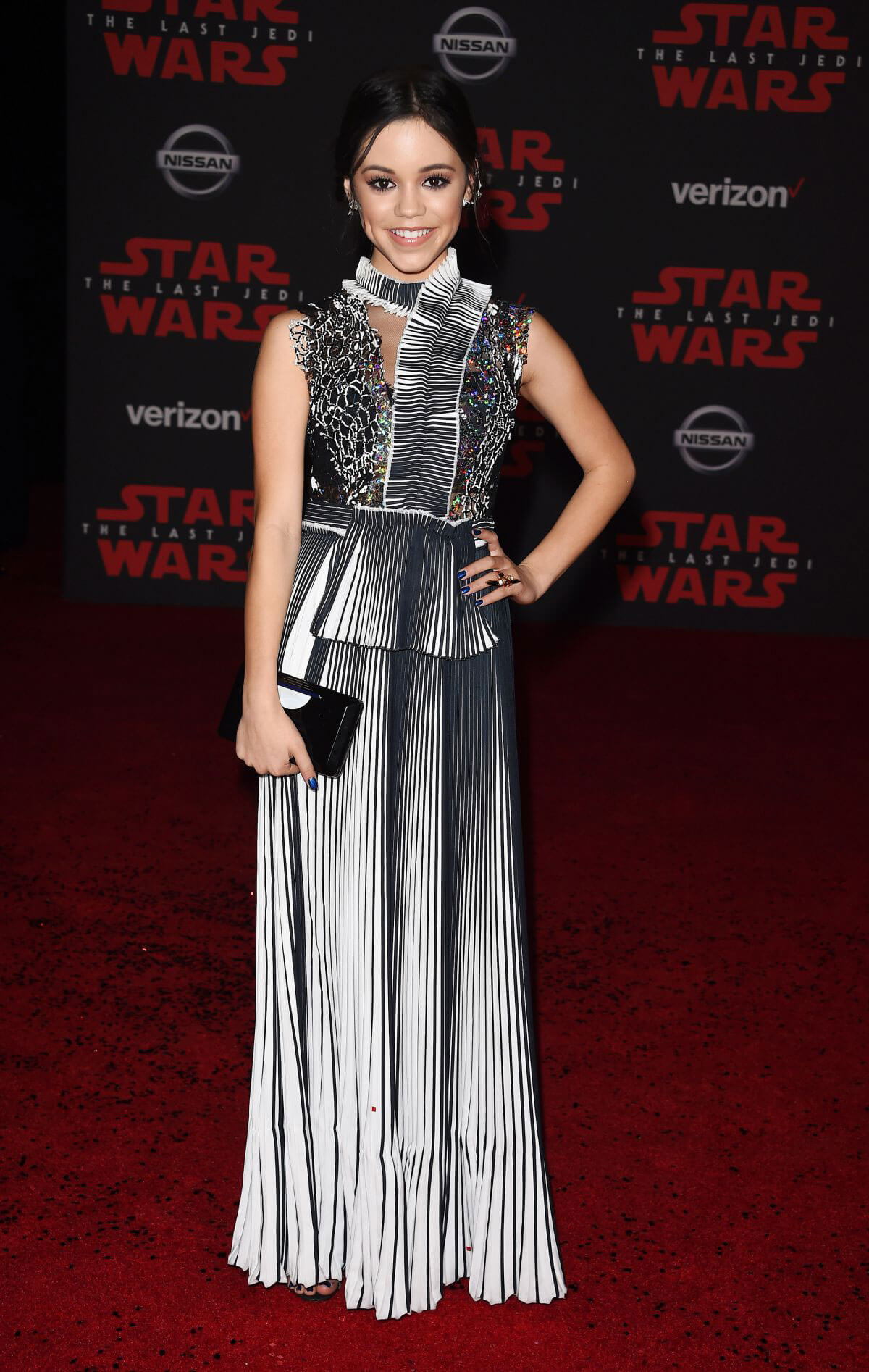 Jenna Ortega Stills at Star Wars: The Last Jedi Premiere in Los Angeles 2017/12/09