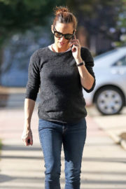 Jennifer Garner Stills Out and About in Brentwood 2018/01/11