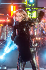 Jennifer Nettles Stills Rehearses for New Year's Eve Performance at Times Square in New York 2017/12/31