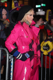 Jenny McCarthy Stills at 2018 New Year's Eve Celebration at Times Square in New York 2017/12/31